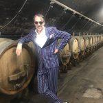 Stuart Pigott im Weinkeller von Gut Hermannsberg